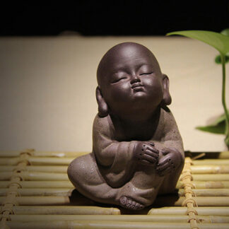 Lila Keramik Buddha